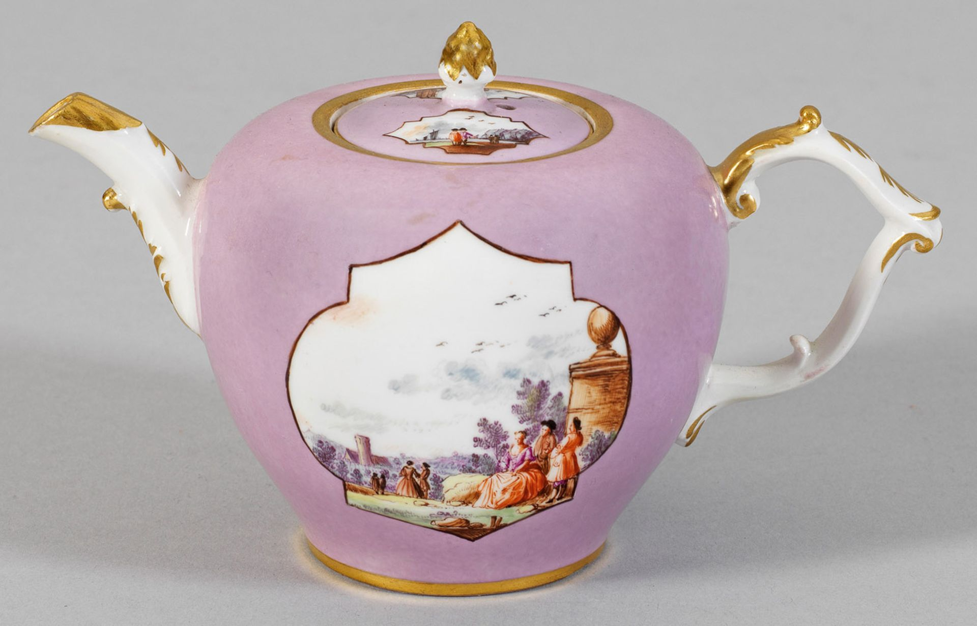 Kleine Teekanne mit seltenem lavendelfarbenem Fond - Bild 2 aus 2