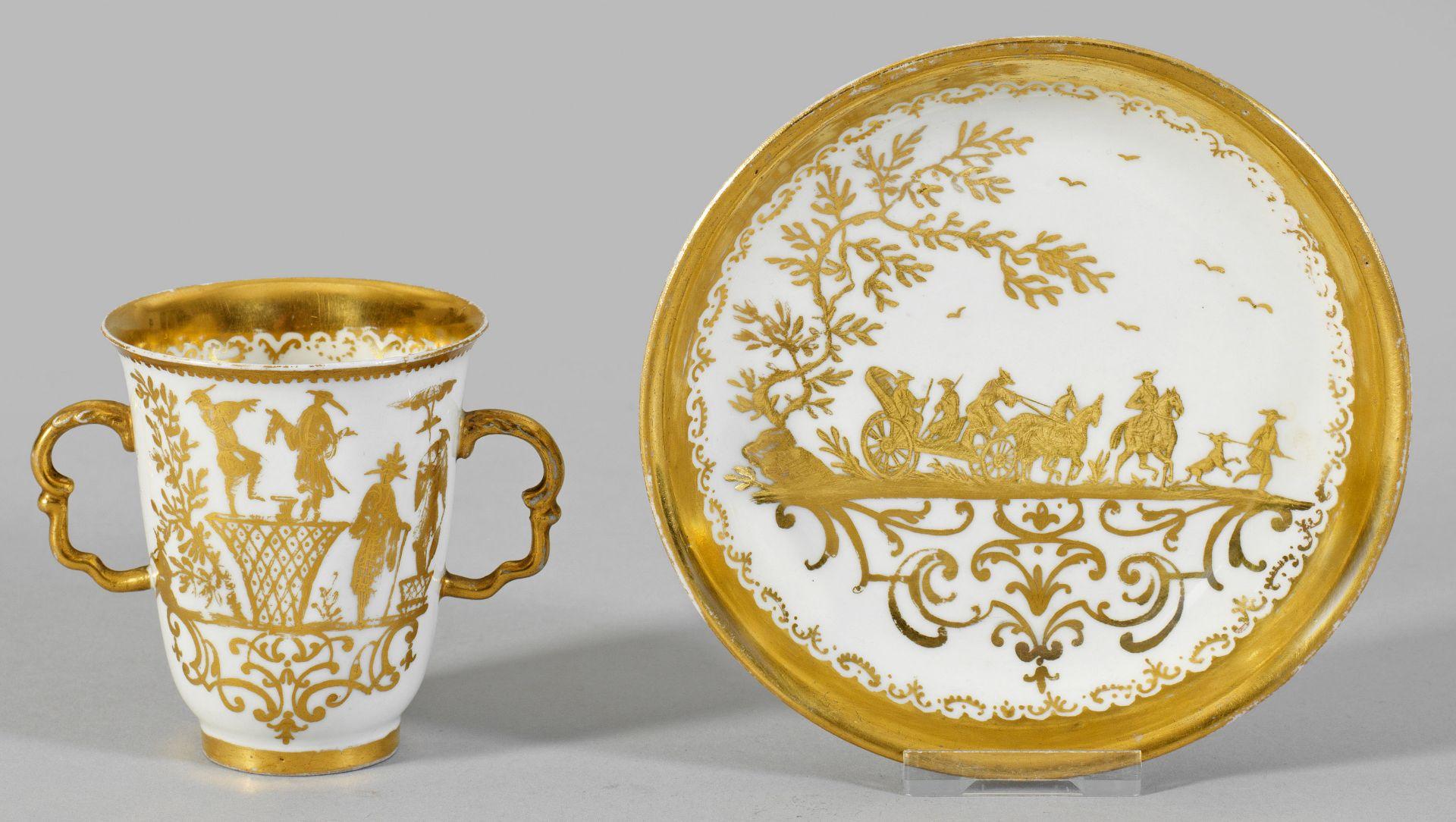 Früher Doppelhenkelbecher mit Augsburger Goldchinesen