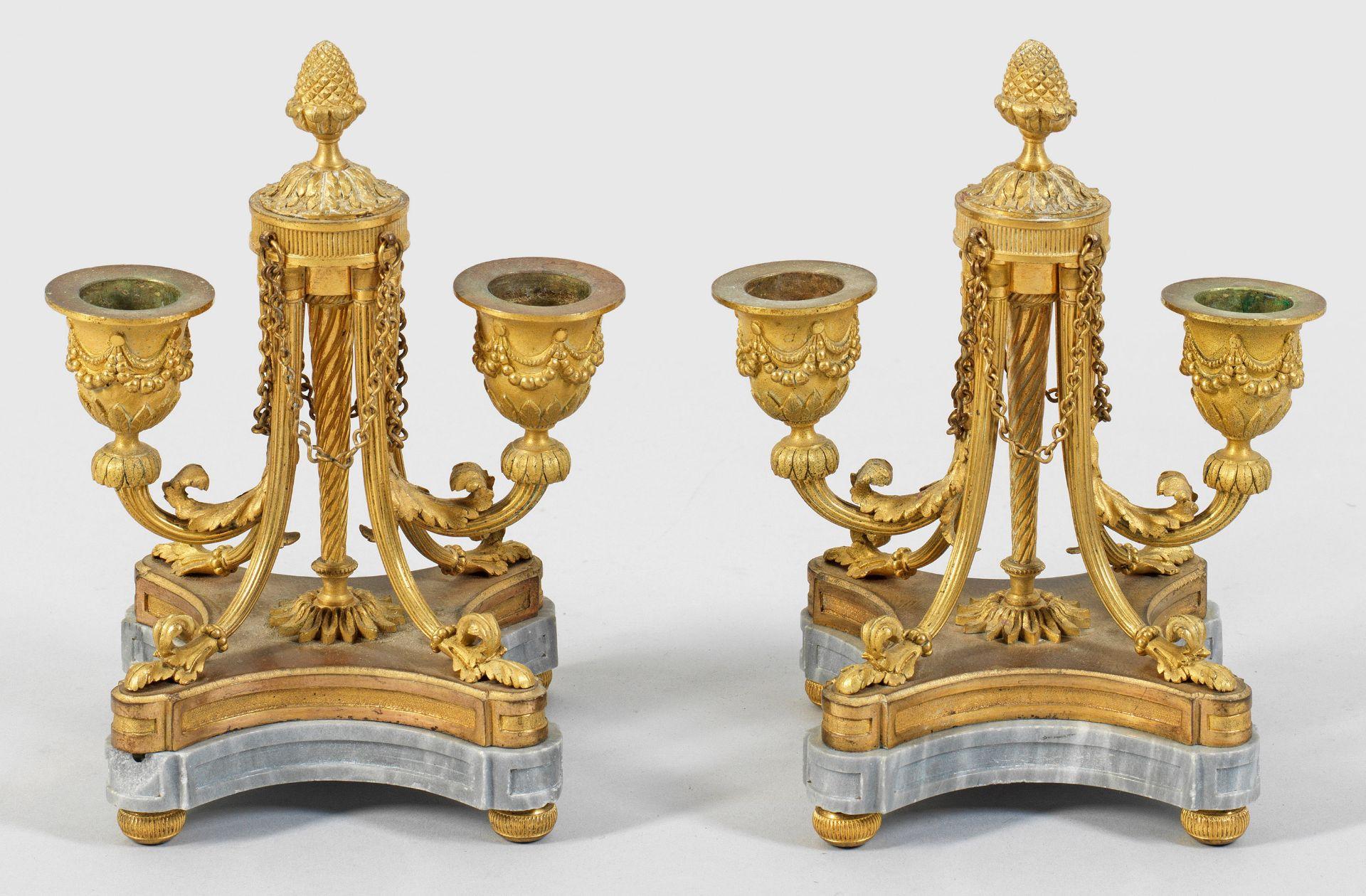 Paar elegante Louis XVI-Tischleuchter von Henri Picard
