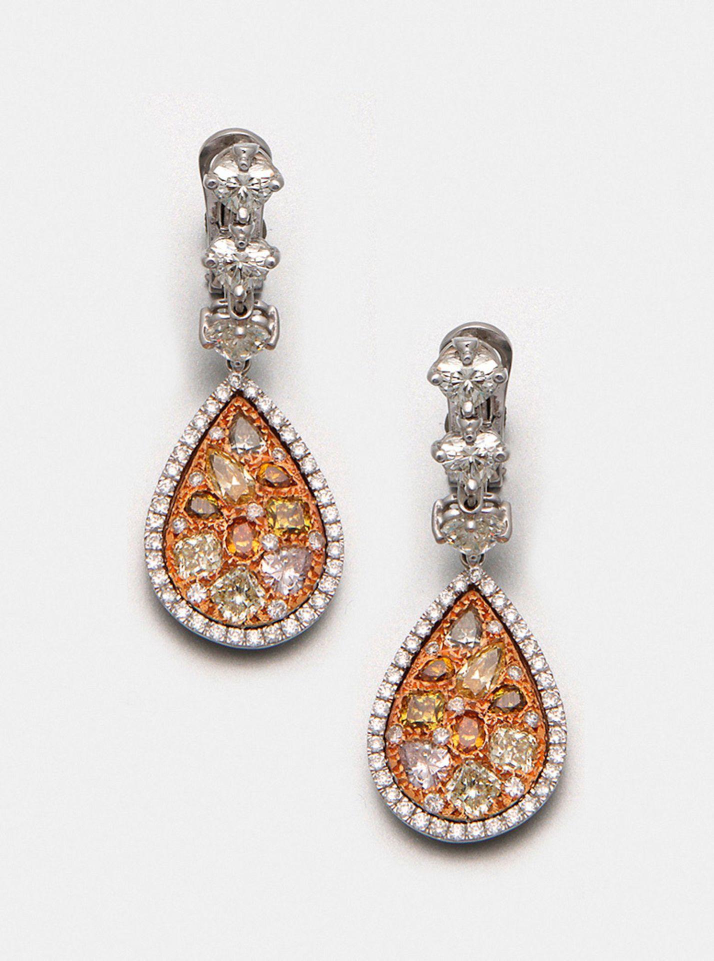 Paar extravagante Natural Fancy-Color-Diamantohrgehänge