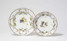 Speiseteller und Beilagenschüssel aus dem Tafelservice für Graf Finck von Finckenstein