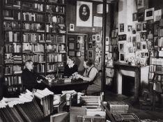 """Gisèle Freund<BR>James Joyce mit Sylvia Beach und Adrienne Monnier in der Buchhandlung """"Shakespeare"""