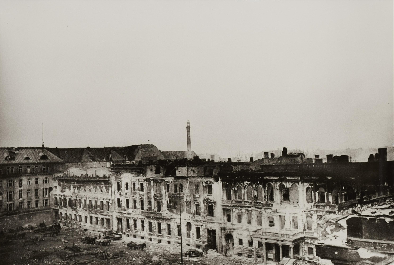 Yevgeni Chaldej<BR>Panorama des Pariser Platzes, Berlin - Image 2 of 3