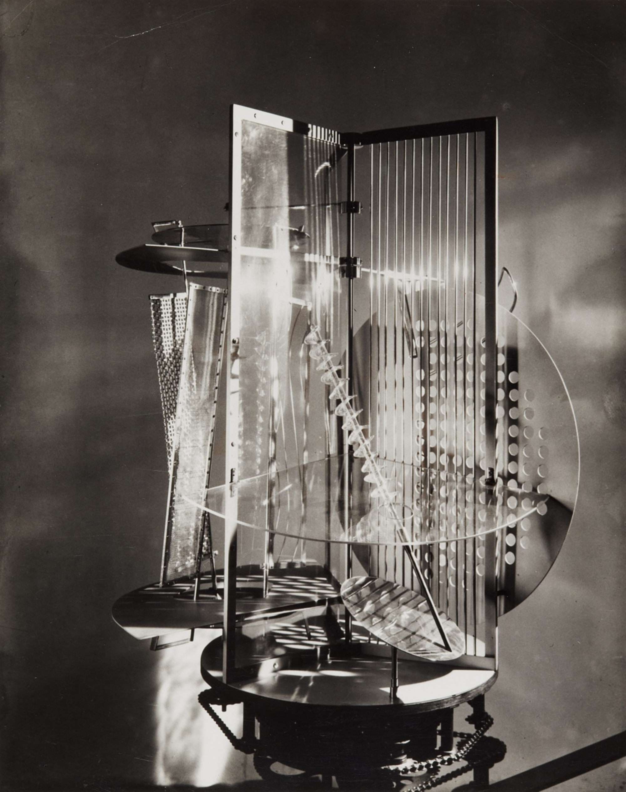 László Moholy-Nagy<BR>Light Space Modulator