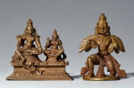 Zwei kleine Figuren. Kupferlegierung. Süd-Indien. 19./20. Jh.
