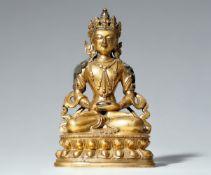 Amitayus. Feuervergoldete Bronze. Tibetochinesisch. 18./19. Jh.