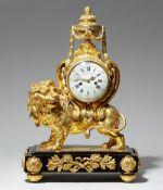 Pendule au lion d´époque Louis XVI
