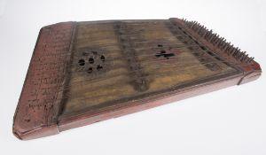 Polychromed walnut psaltery. Italy. 15th - 16th century.