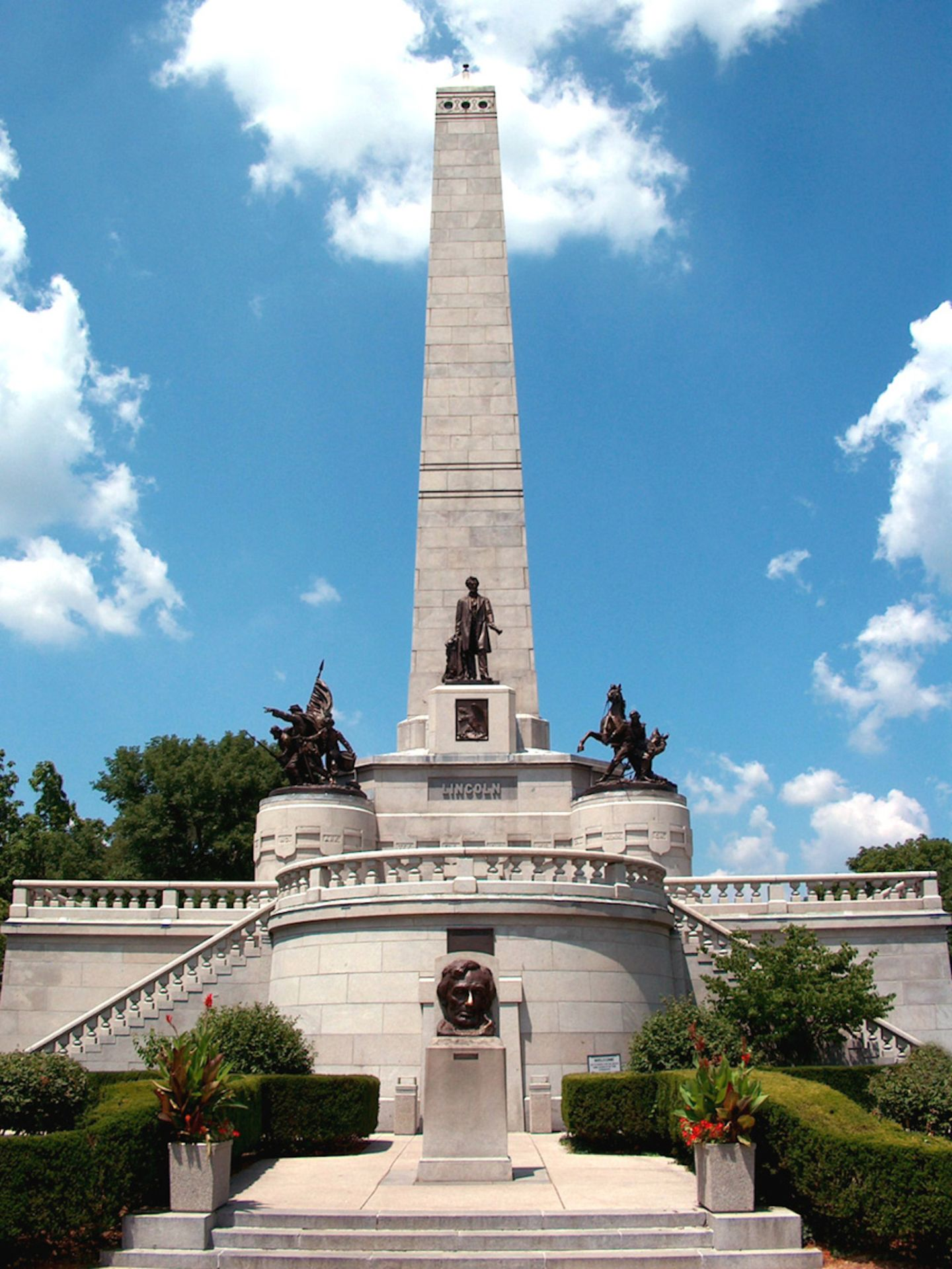 Own Property in Abraham Lincoln's Springfield, Illinois! - Image 9 of 9