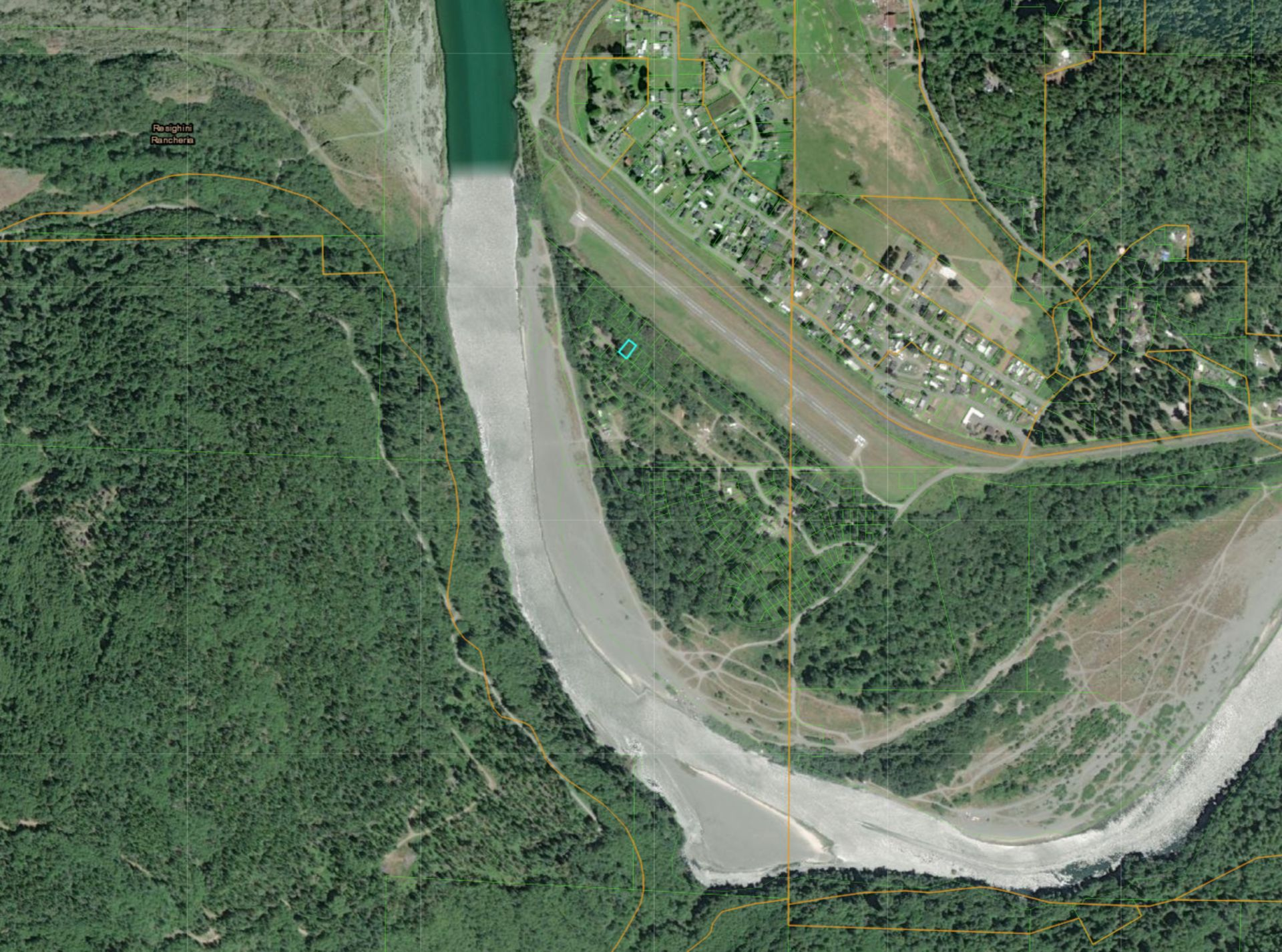 Scenic Wooded Lot in Northwestern California by the Klamath River! - Image 5 of 6