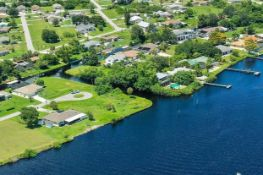 A Stone's Throw Away from the Peace River In Charlotte County, Florida!