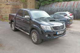 Toyota Hilux DC30 Double Cab Pick up YB61 KNF