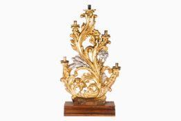 Paar große 5-armige Leuchter, um 1800, Holz geschnitzt, mit Blüten und Blattranken, mit