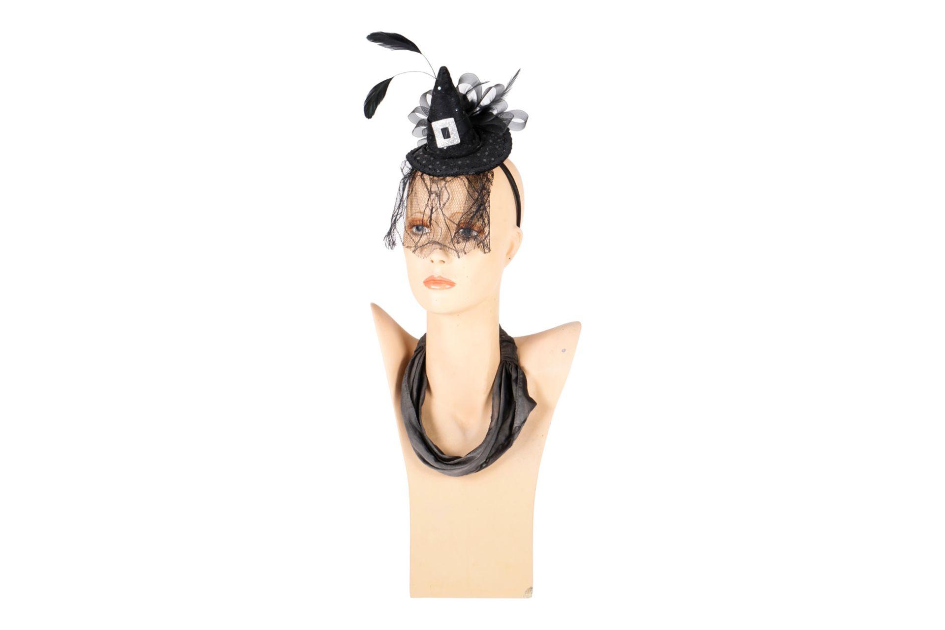 Modebüste Mädchen, GFK, bemalt, 80er Jahre, Alterungsspuren, H 55