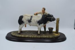 Boxed Country Artists countryside figure of a Belgian Blue- 'The Winning Partnership'