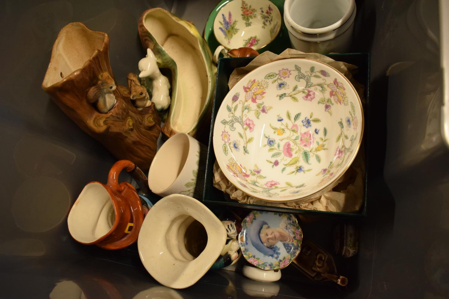 A mixed collection of items to include Murano style fish, Minton Haddon Hall Bowl, Hornsea etc. - Image 3 of 3