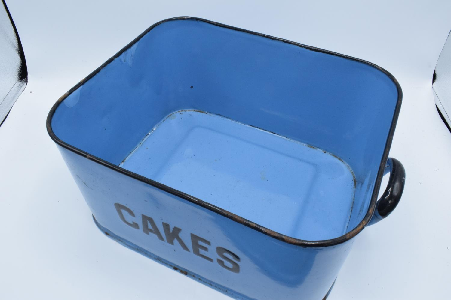 Original 1960s blue enamel cake tin (untouched condition) Loss of enamel in some places, slightly - Image 3 of 3