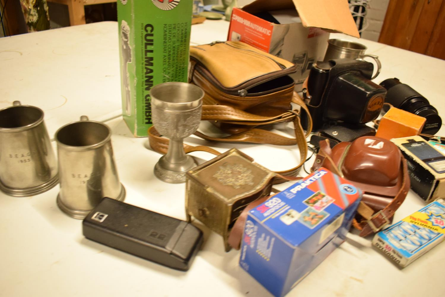 A mixed collection of items to include camera equipment, tankards, novelty cigarette dispenser etc - Image 3 of 4