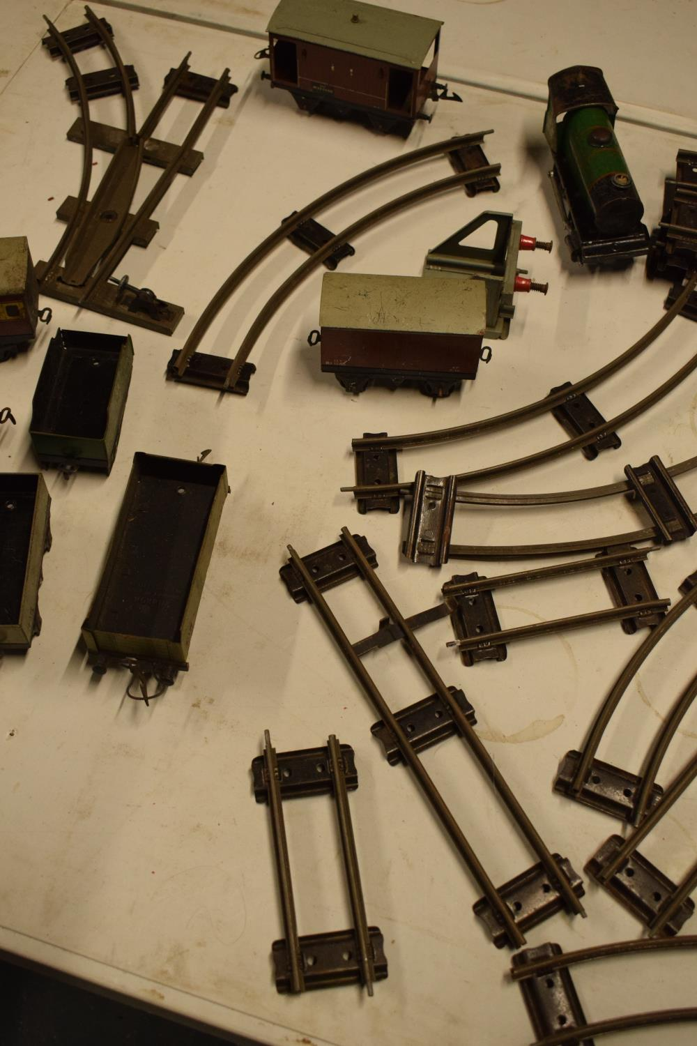 A collection of Hornby (Meccano Ltd) model trains, carriages and track (well used) All in bad and - Image 3 of 9