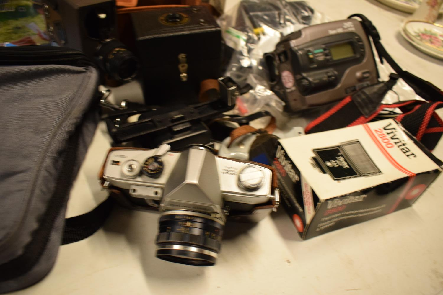 A mixed collection of cameras and accessories to include Kodak, Canon, JVC etc Condition is mixed. - Image 3 of 7