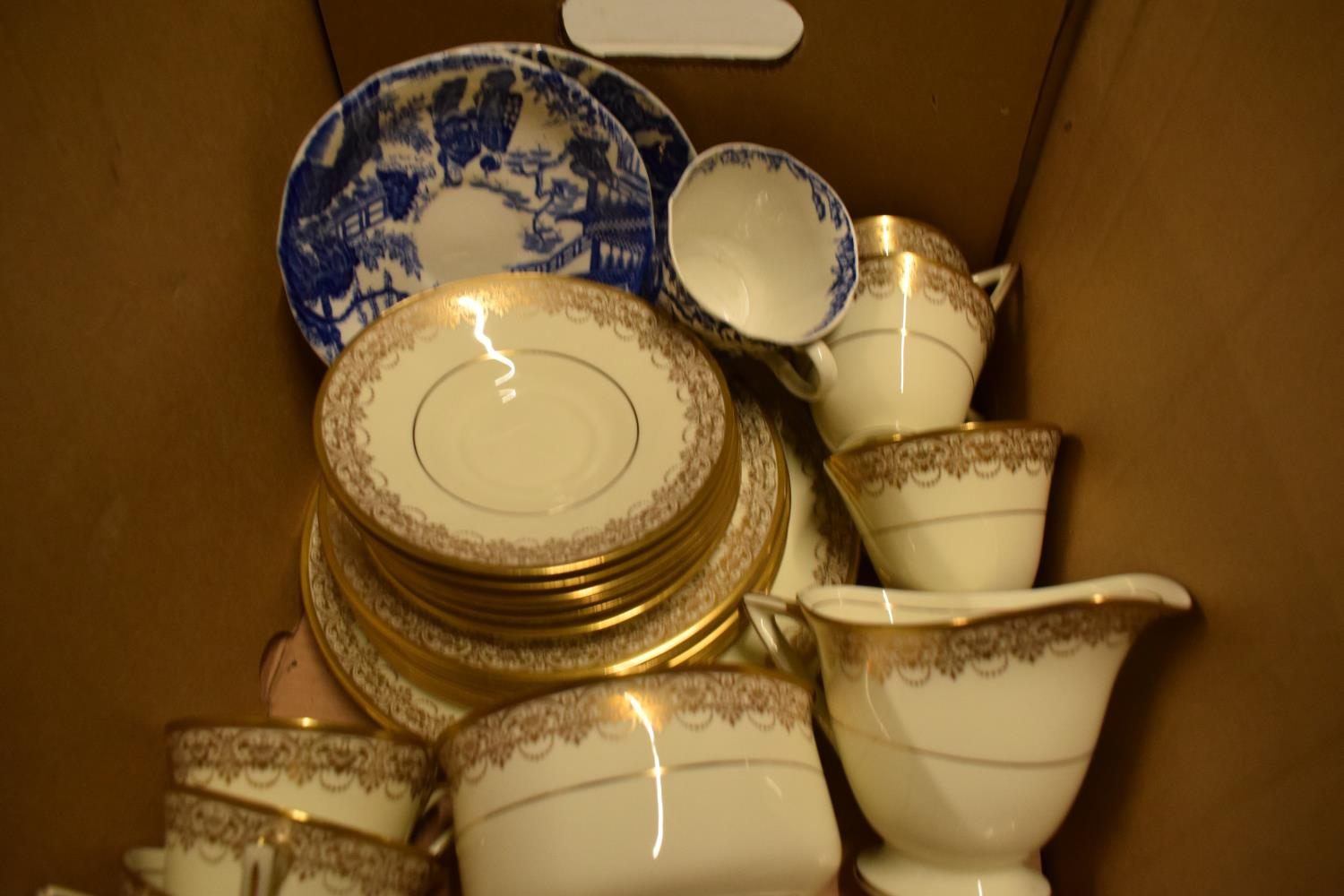 Royal Doulton part tea set and other tea ware. Condition is generally good. No condition reports - Image 2 of 3