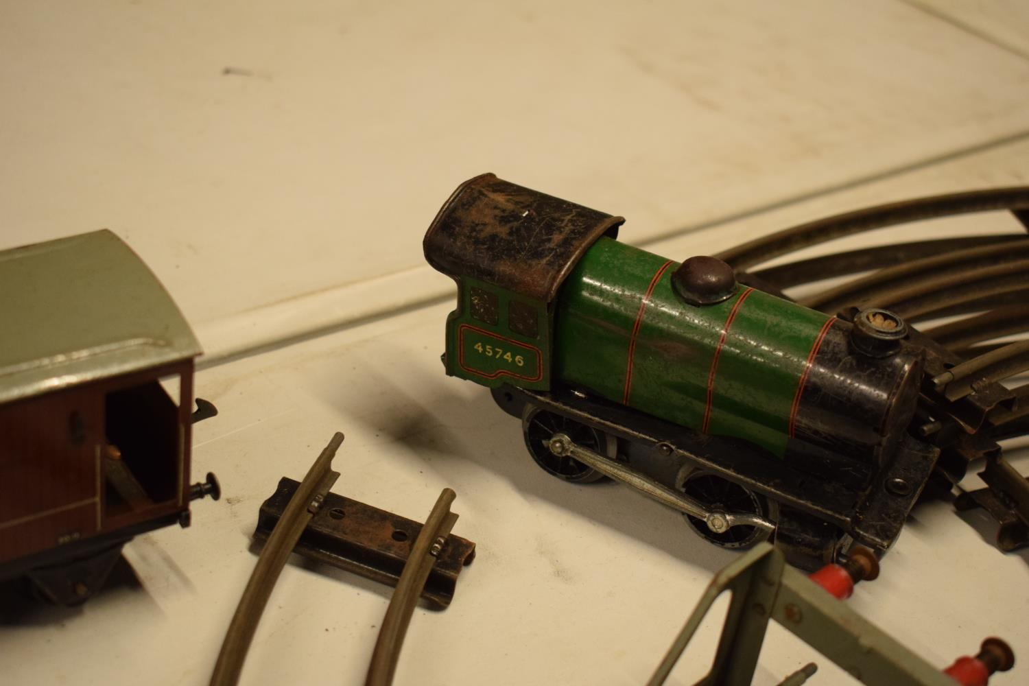 A collection of Hornby (Meccano Ltd) model trains, carriages and track (well used) All in bad and - Image 7 of 9
