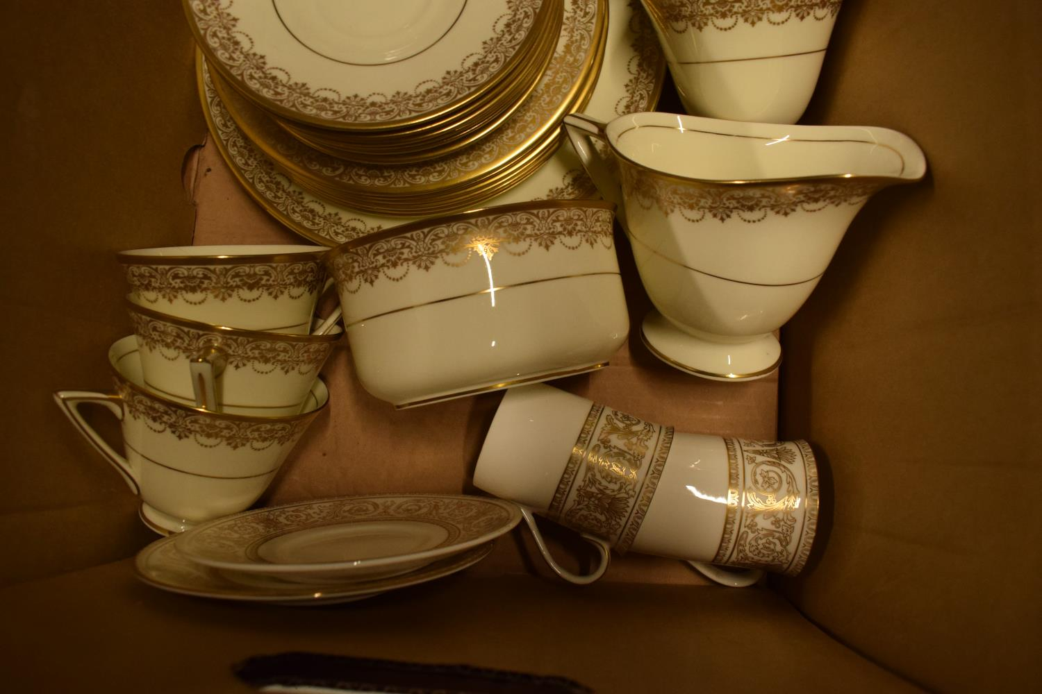 Royal Doulton part tea set and other tea ware. Condition is generally good. No condition reports - Image 3 of 3