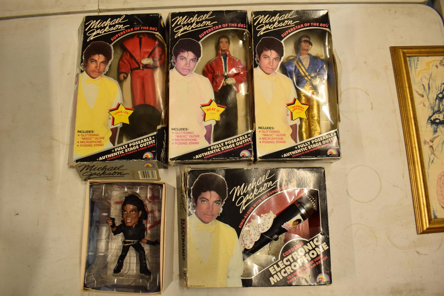 A collection Michael Jackson figures and toys to include 'BAD' figure, electronic microphone and - Image 4 of 9