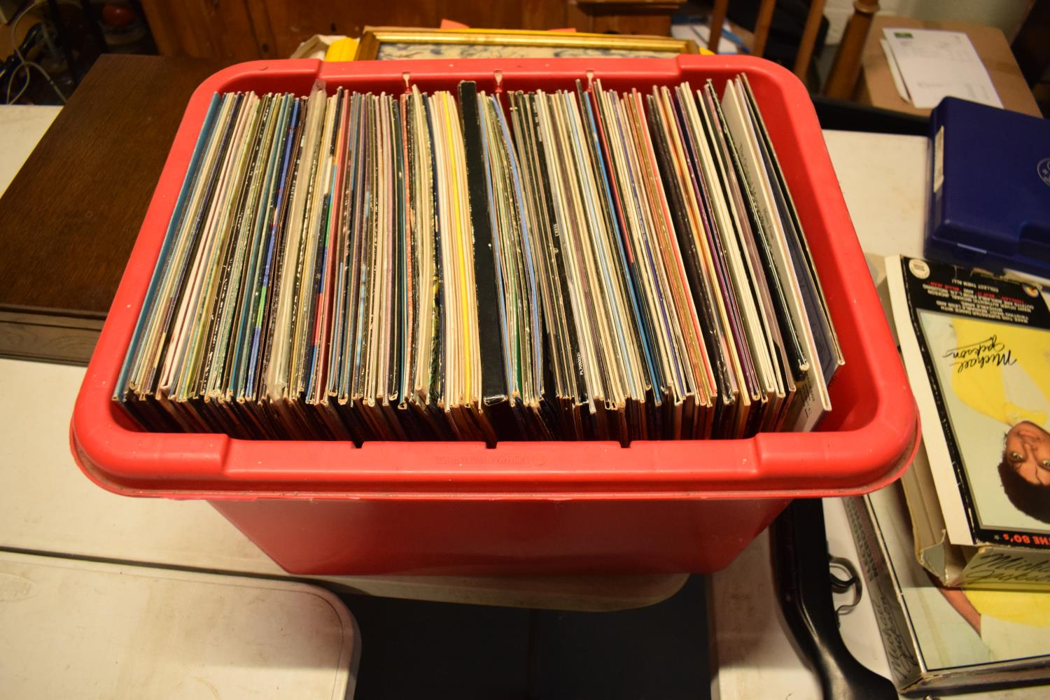 A varied of collection of vinyl records to include easy listening, 80s, rock, blues etc (100+) In - Image 5 of 6