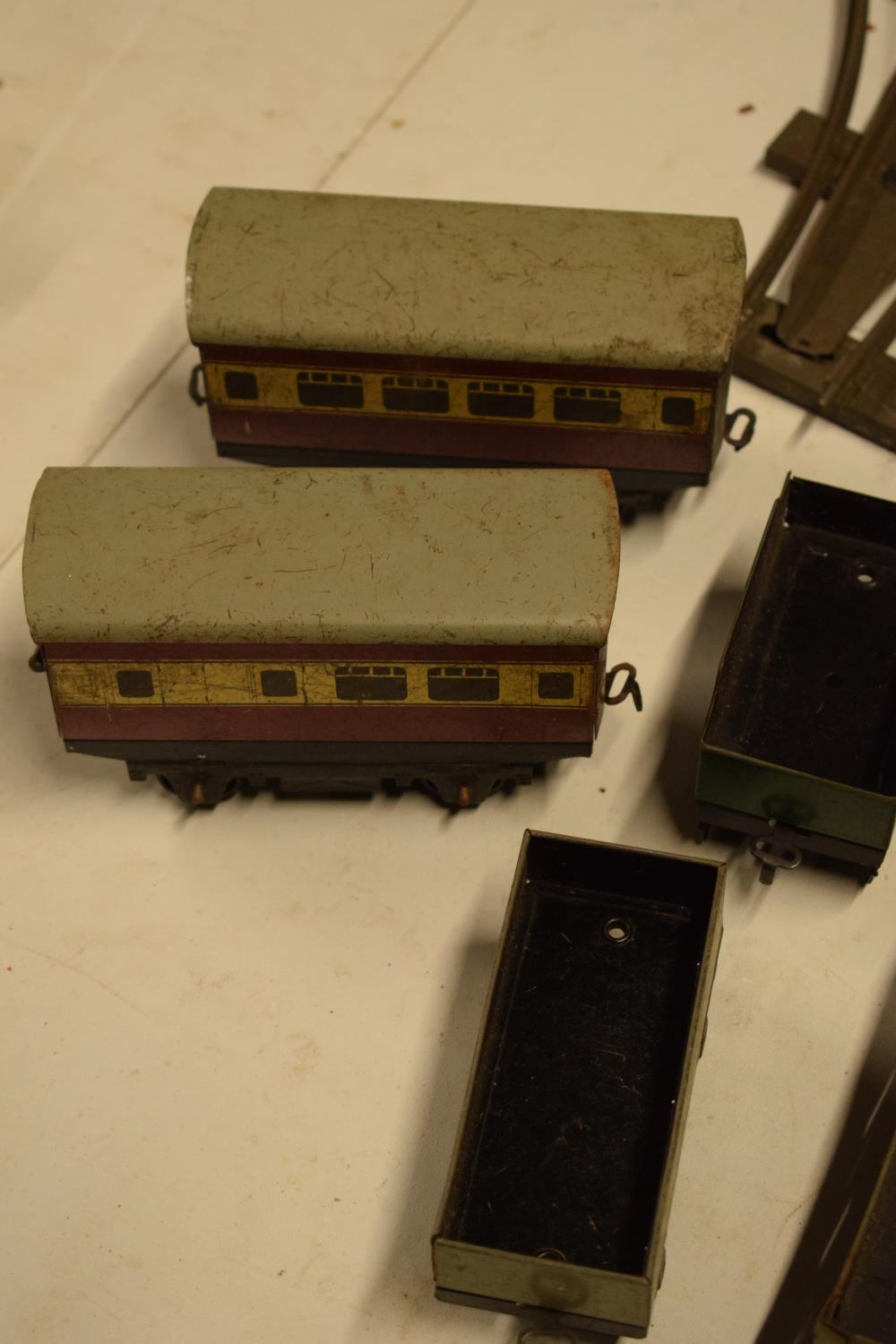 A collection of Hornby (Meccano Ltd) model trains, carriages and track (well used) All in bad and - Image 6 of 9