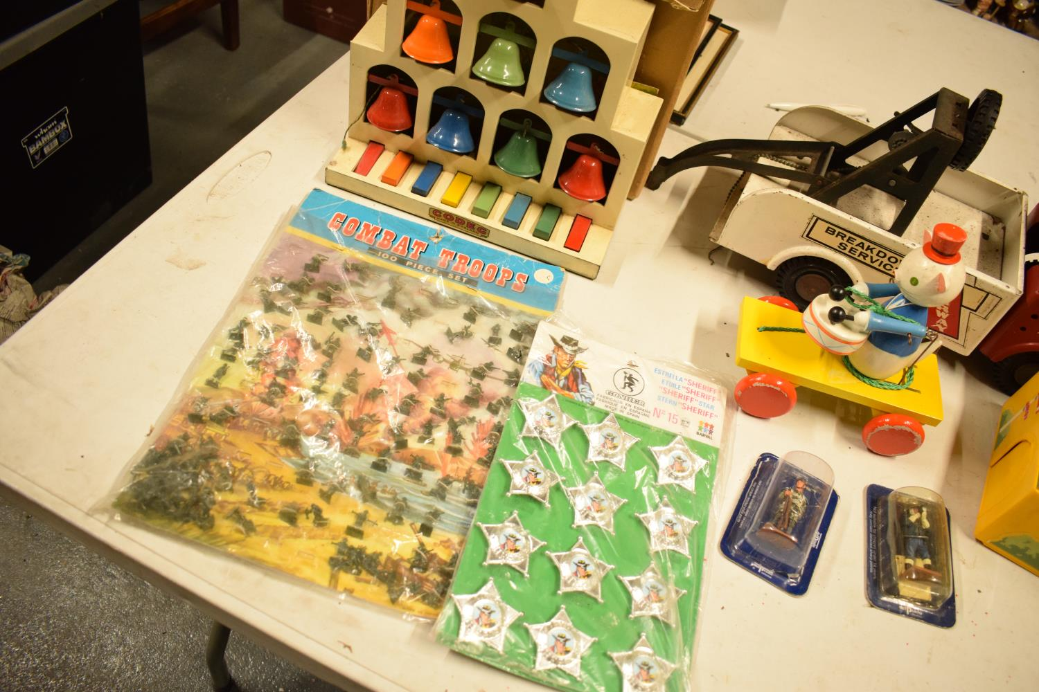 A mixed collection of vintage toys to include dumper trucks, Codeg Melody Bells etc Condition is - Image 4 of 5