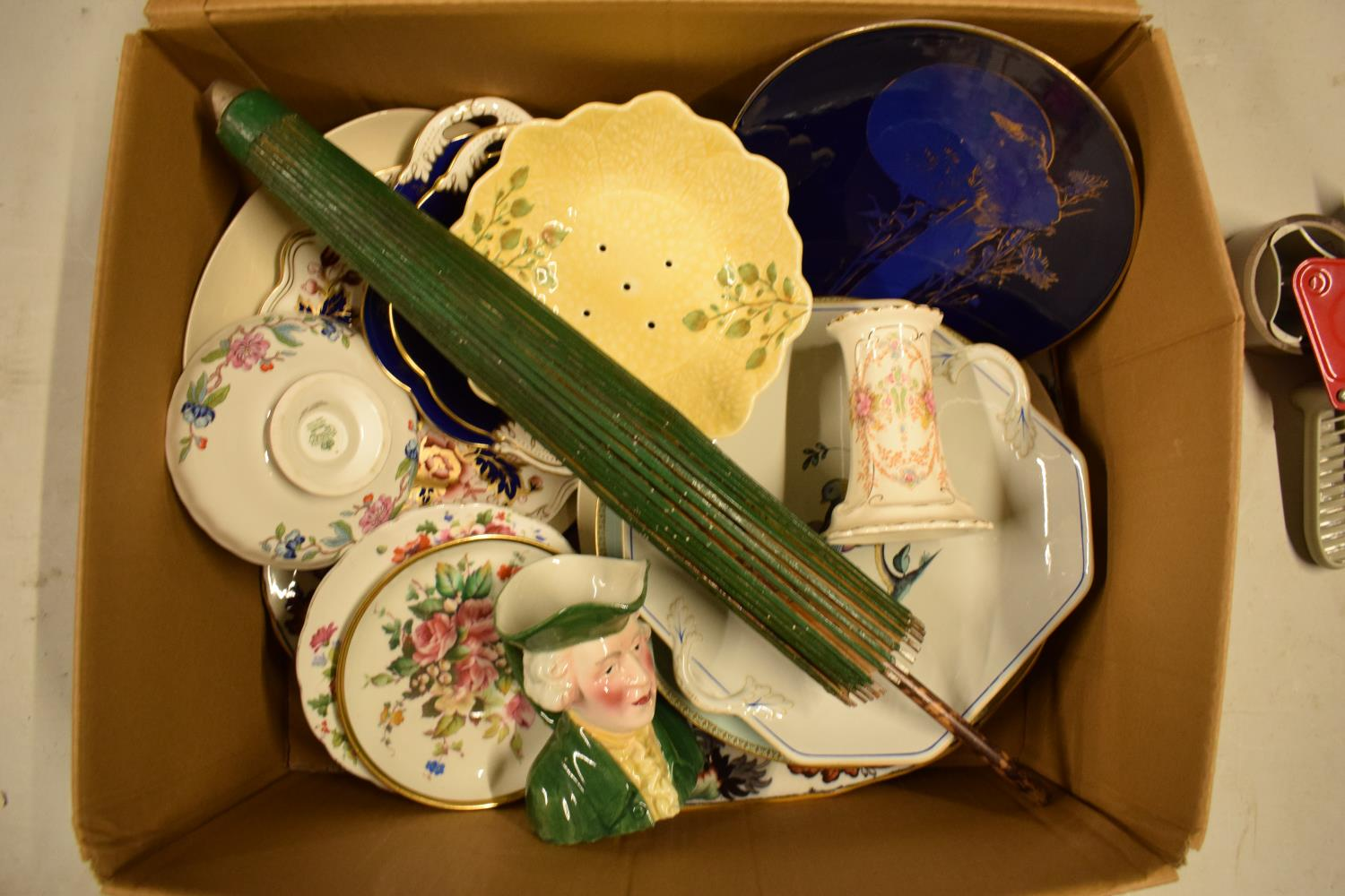 A mixed collection of items to include a parasol, Carlton Ware, Aynsley etc Condition is mixed. No