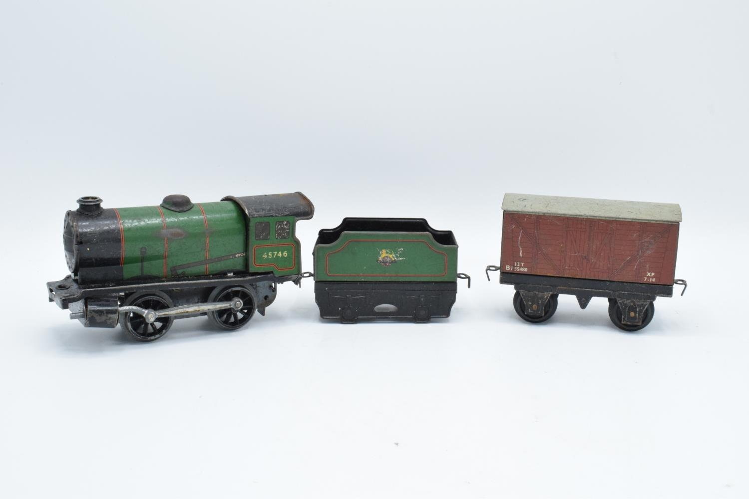 A collection of Hornby (Meccano Ltd) model trains, carriages and track (well used) All in bad and - Image 9 of 9