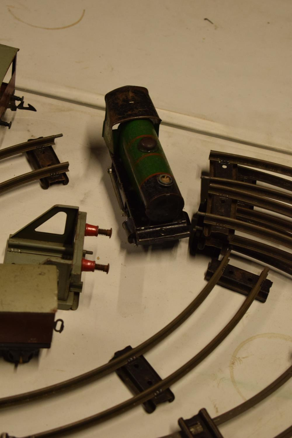 A collection of Hornby (Meccano Ltd) model trains, carriages and track (well used) All in bad and - Image 5 of 9