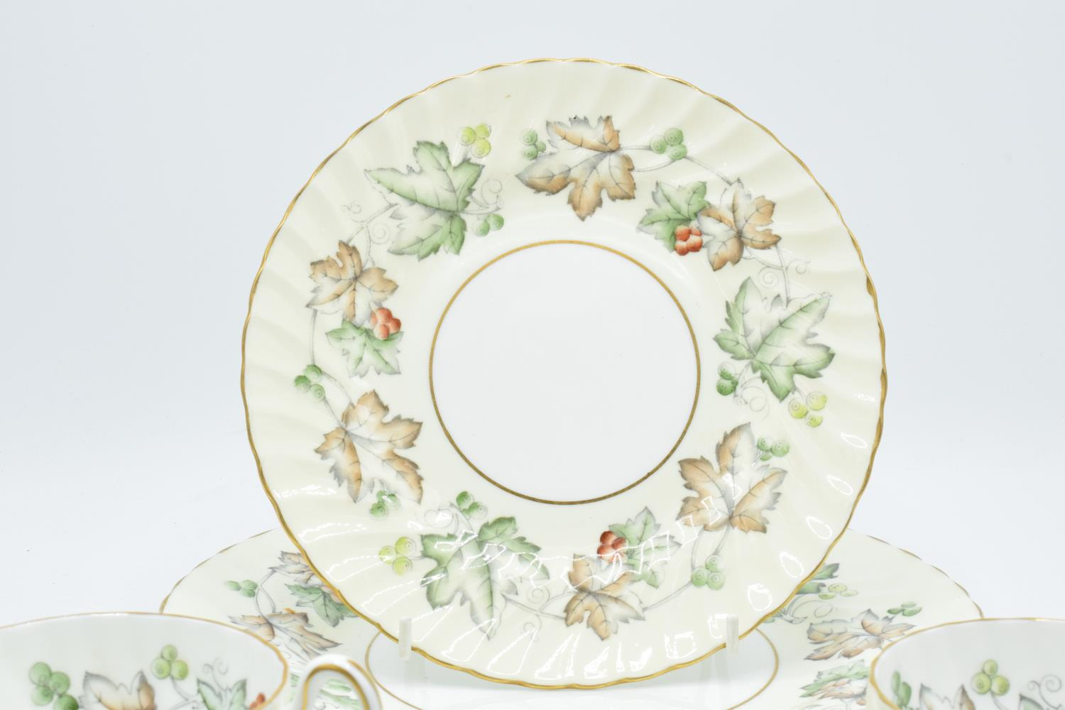 A collection of Foley Avondale tea ware to include 4 duos, 1 spare saucer, 6 8'' side plates and 3 - Image 2 of 3