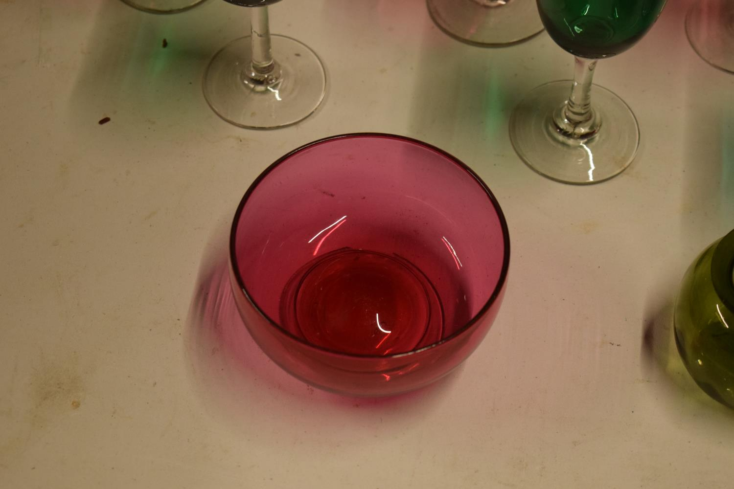 A collection of various coloured 20th glass to include wine glasses of different sizes, bowls etc ( - Image 8 of 10