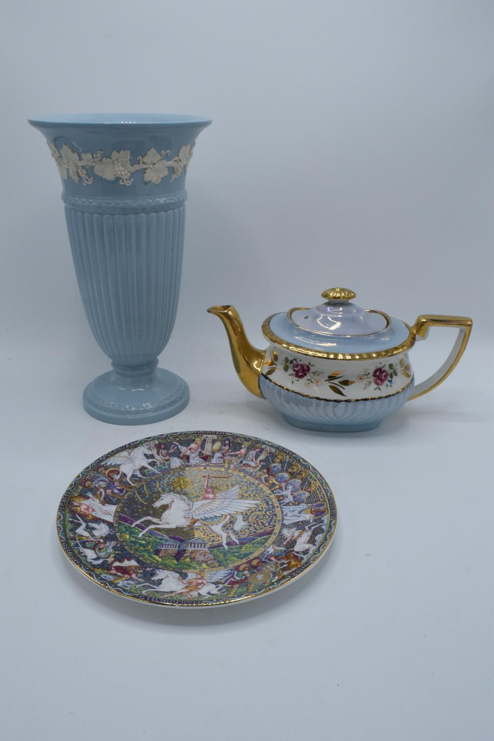 A collection of items to include a large Wedgwood Queensware vase, a Royal Worcester plate of