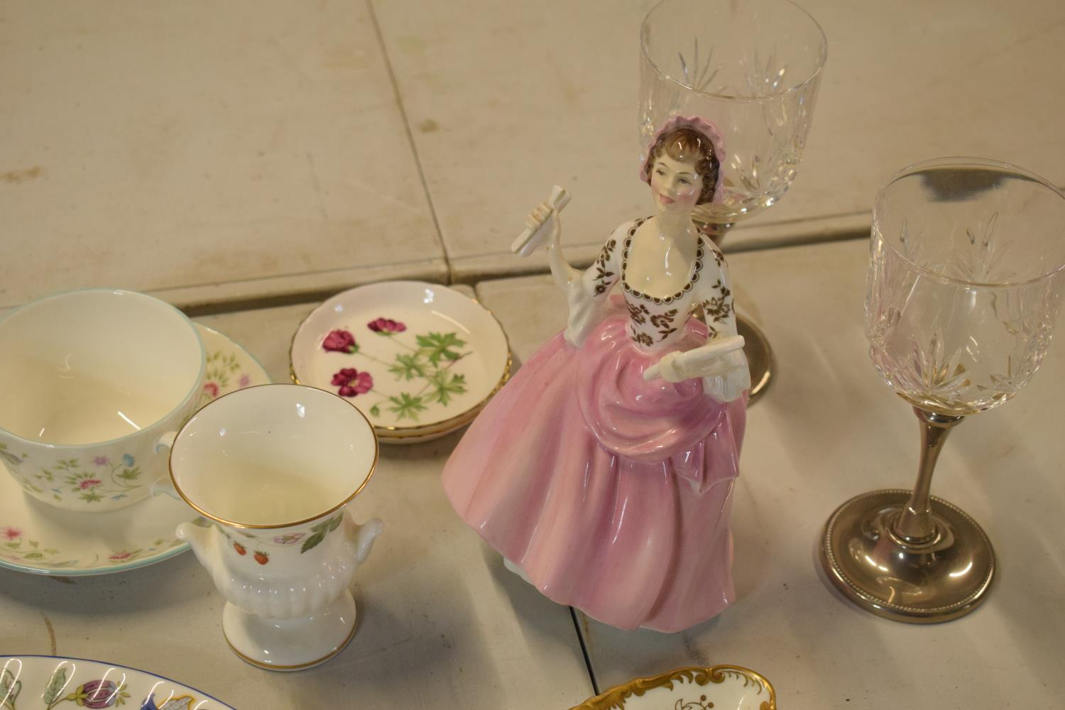A mixed collection of items to include Minton dinner plates, Royal Doulton, Carlton Ware etc. Please - Image 3 of 8