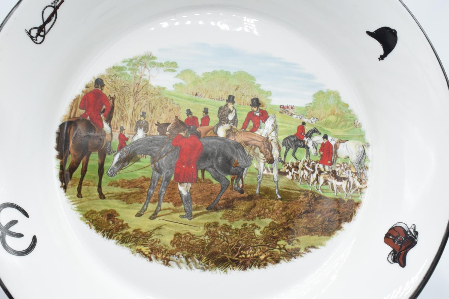 Large shallow bowl depicting a hunting scene of J.F Herring and Son, made by China Originals of - Image 3 of 4
