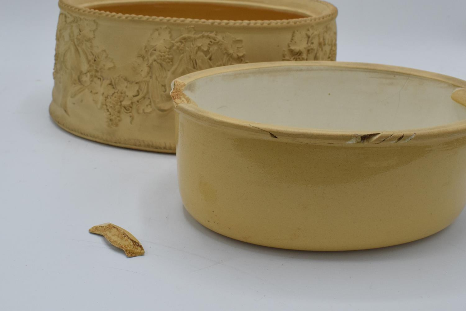Wedgwood Caneware game pie dish with a rabbit finial (a/f). The main body is in good condition - Image 6 of 9