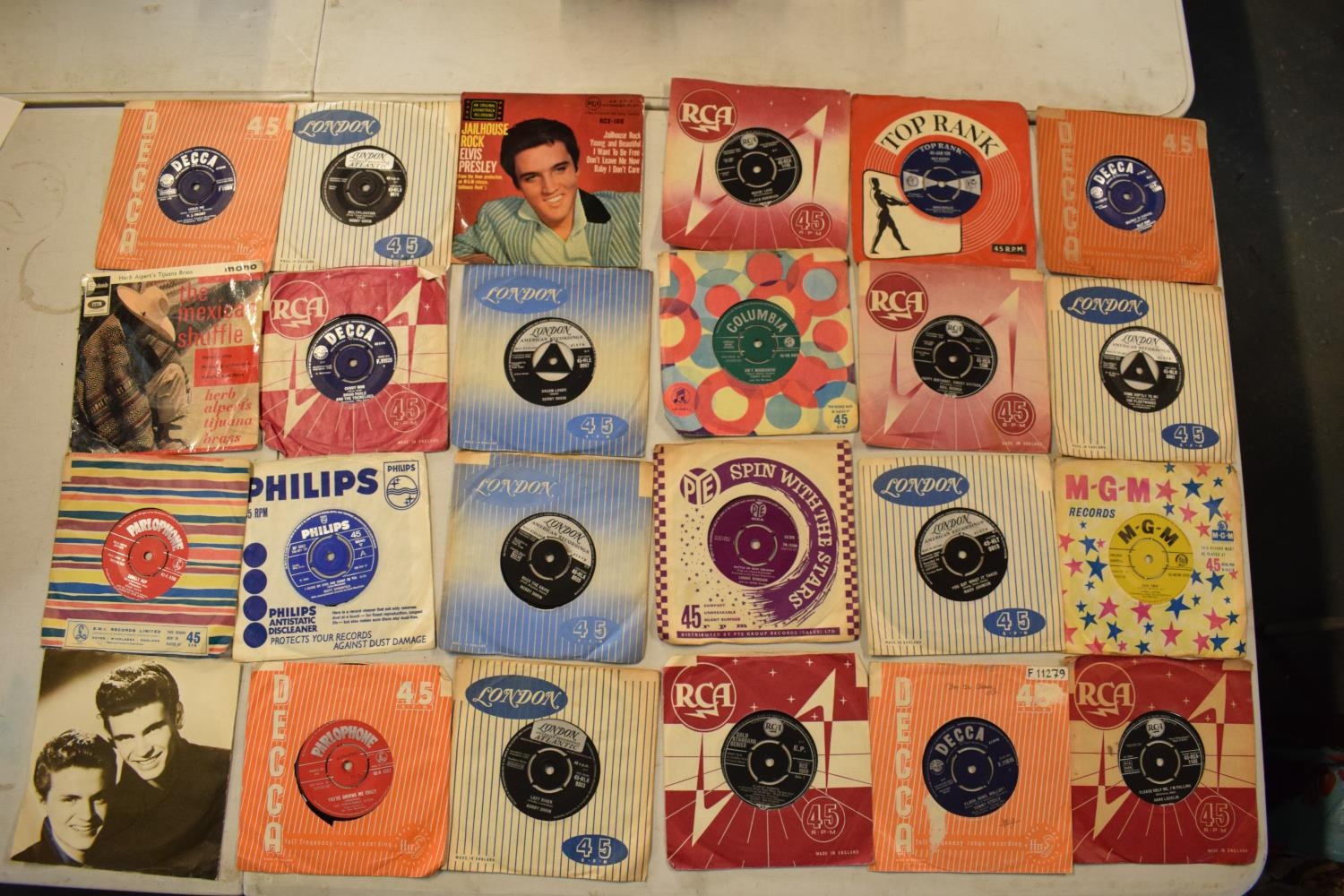 A large collection of 1960s 45s records to include Elvis Presley, Buddy Holly, The Tommy Steele - Image 5 of 8