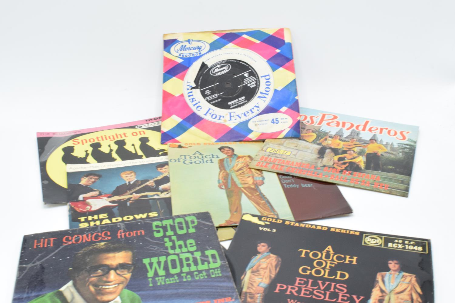 A large collection of 1960s 45s records to include Elvis Presley, Buddy Holly, The Tommy Steele