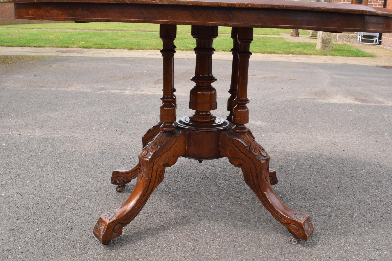 Late 19th century Victorian walnut veneered table with tilt top movement. In good condition with - Image 4 of 7