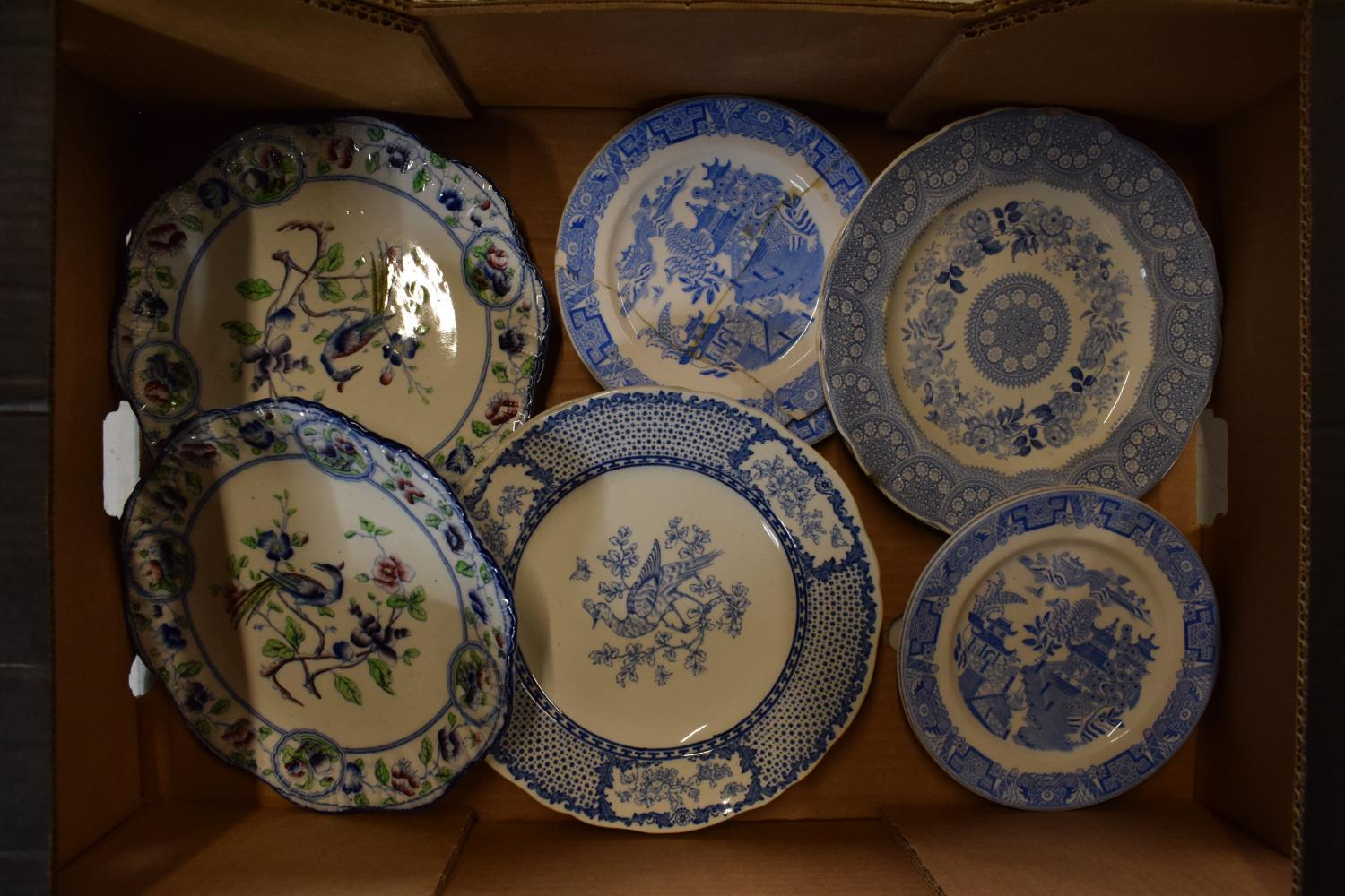A collection of 19th century plates to consist of mainly blue and white to include various makes