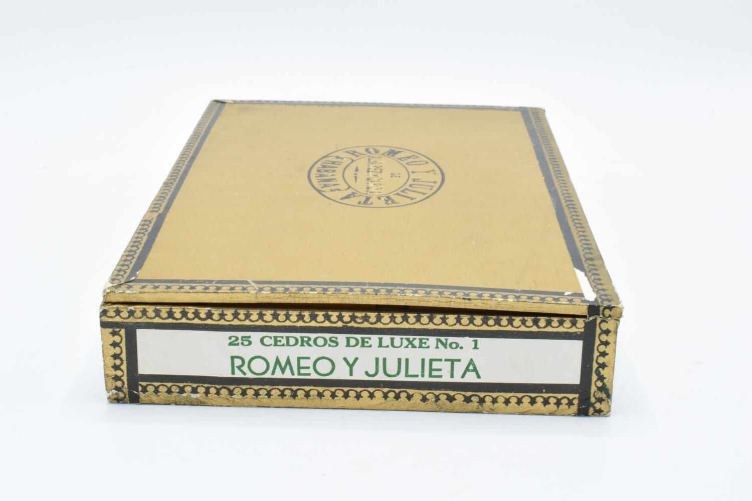 A cased set of 25 Romeo y Julieta Cedros De Luxe No.1 cigars made in Habana, Cuba. Appear to be in - Image 9 of 11
