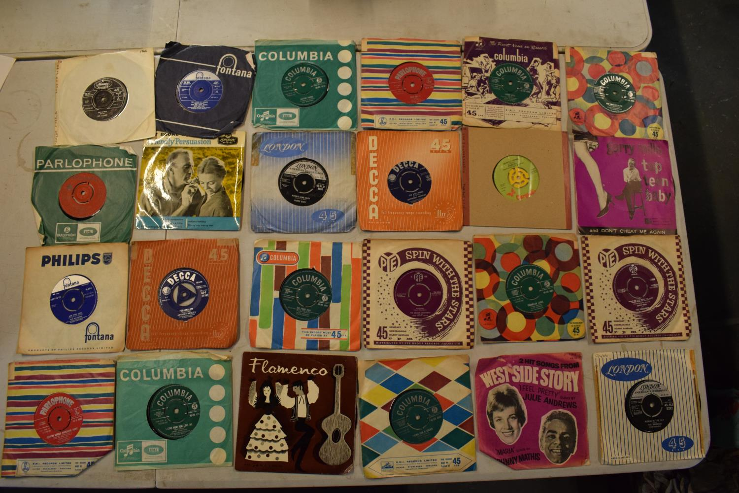 A large collection of 1960s 45s records to include Elvis Presley, Buddy Holly, The Tommy Steele - Image 6 of 8