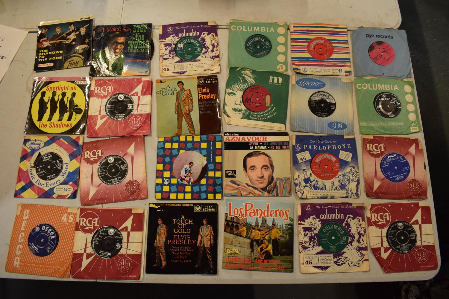 A large collection of 1960s 45s records to include Elvis Presley, Buddy Holly, The Tommy Steele - Image 7 of 8