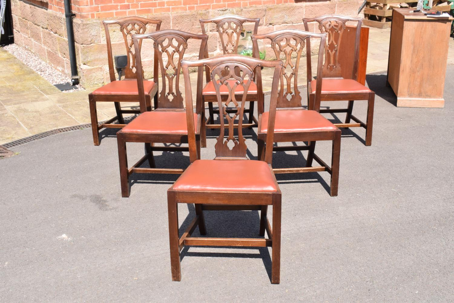 A set of 6 George III mahogany dining chairs circa 1770-1800 (6). 98cm tall. In good functional