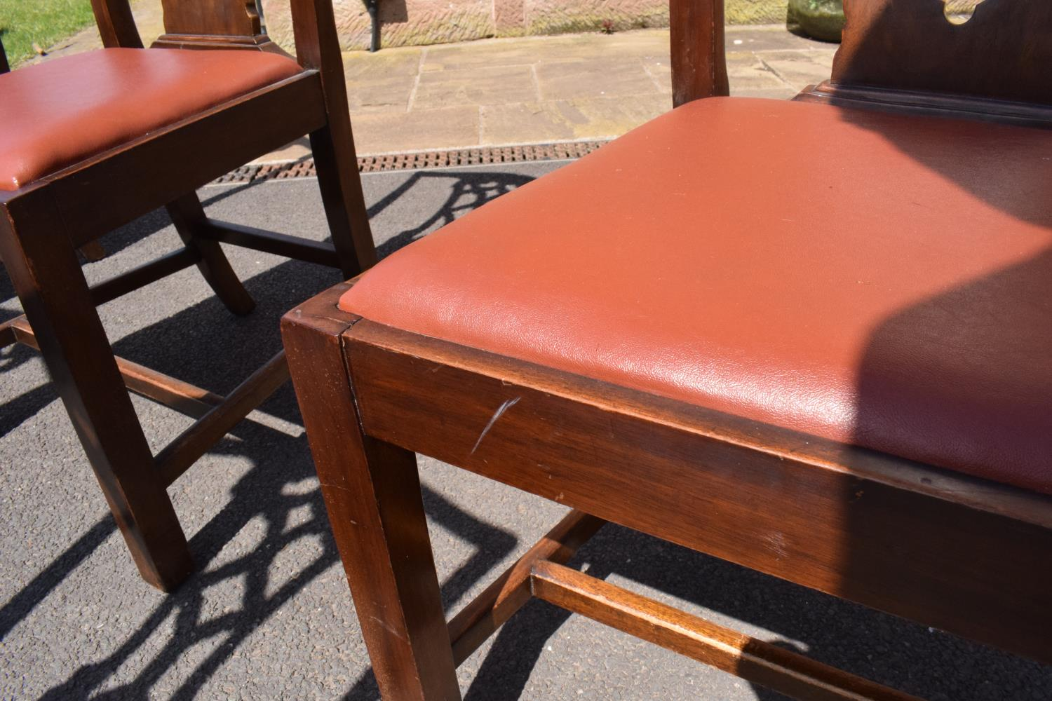 A set of 6 George III mahogany dining chairs circa 1770-1800 (6). 98cm tall. In good functional - Image 4 of 4