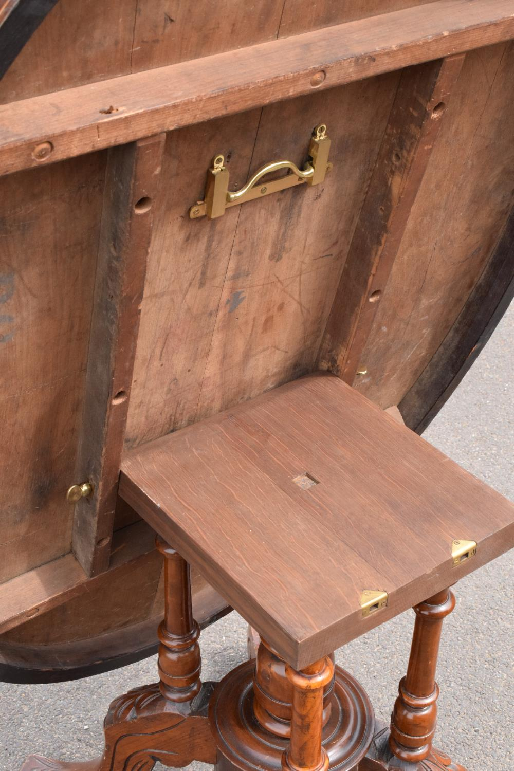 Late 19th century Victorian walnut veneered table with tilt top movement. In good condition with - Image 7 of 7